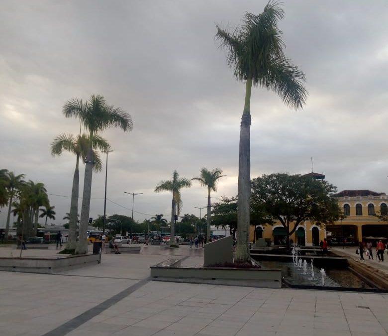 Temporais localizados com chuva forte, granizo e ventania
