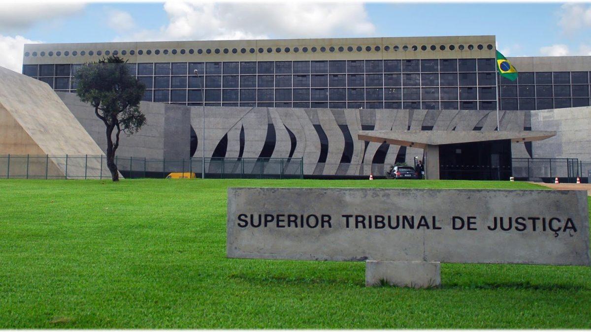 STJ afasta o governador Witzel do cargo e prende seis investigados por irregularidades na Saúde do Rio