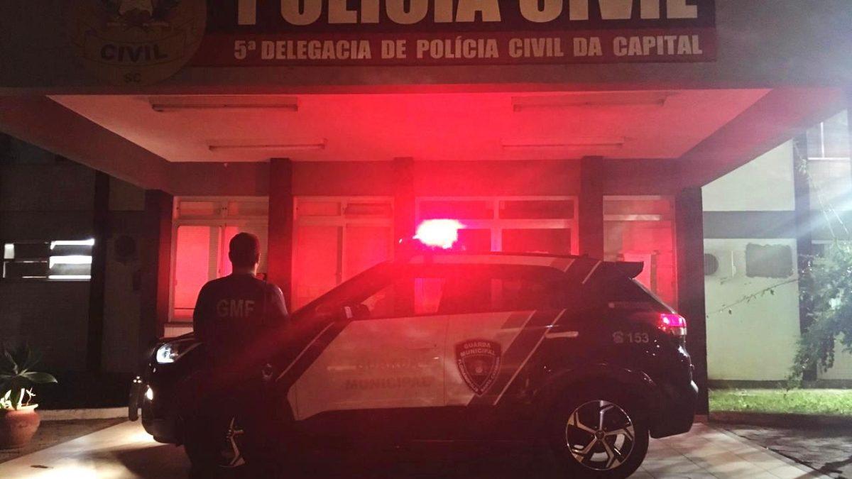 Condutor de motocicleta roubada é detido pela Guarda Municipal de Florianópolis