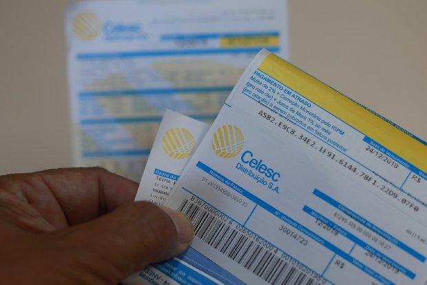 Justiça Federal determina suspensão do reajuste da conta de energia elétrica da Celesc