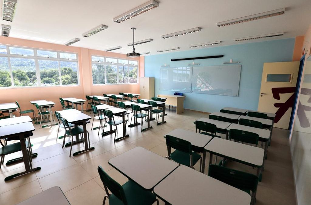 Educação estabelece suspensão de aulas presenciais até 12 de outubro em Santa Catarina