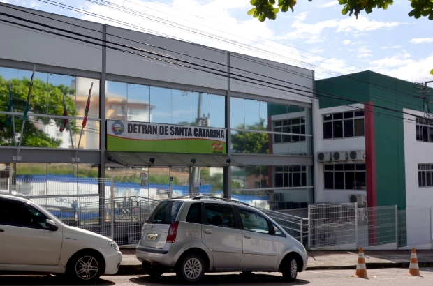 Saiba como estão os prazos e serviços oferecidos pelo Detran durante a pandemia