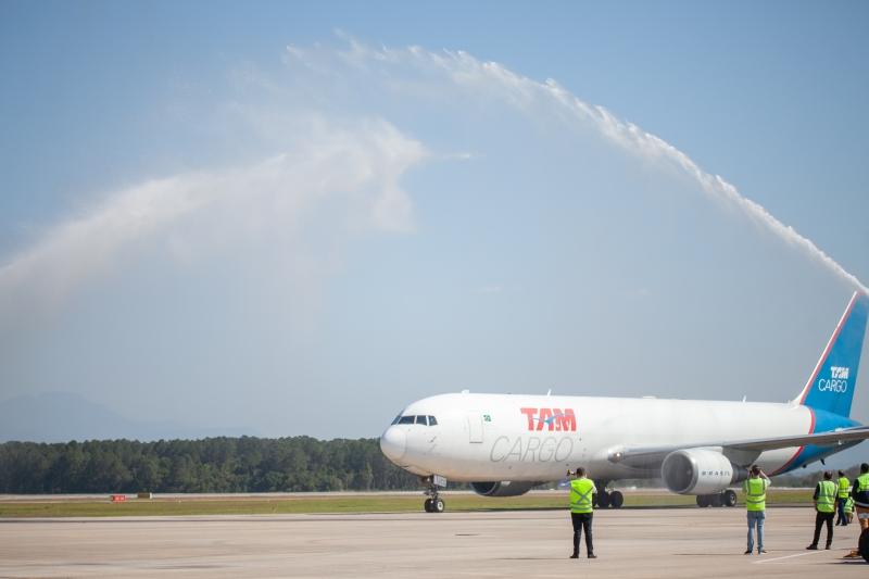 SC ganha rota inédita com voo cargueiro Miami-Florianópolis