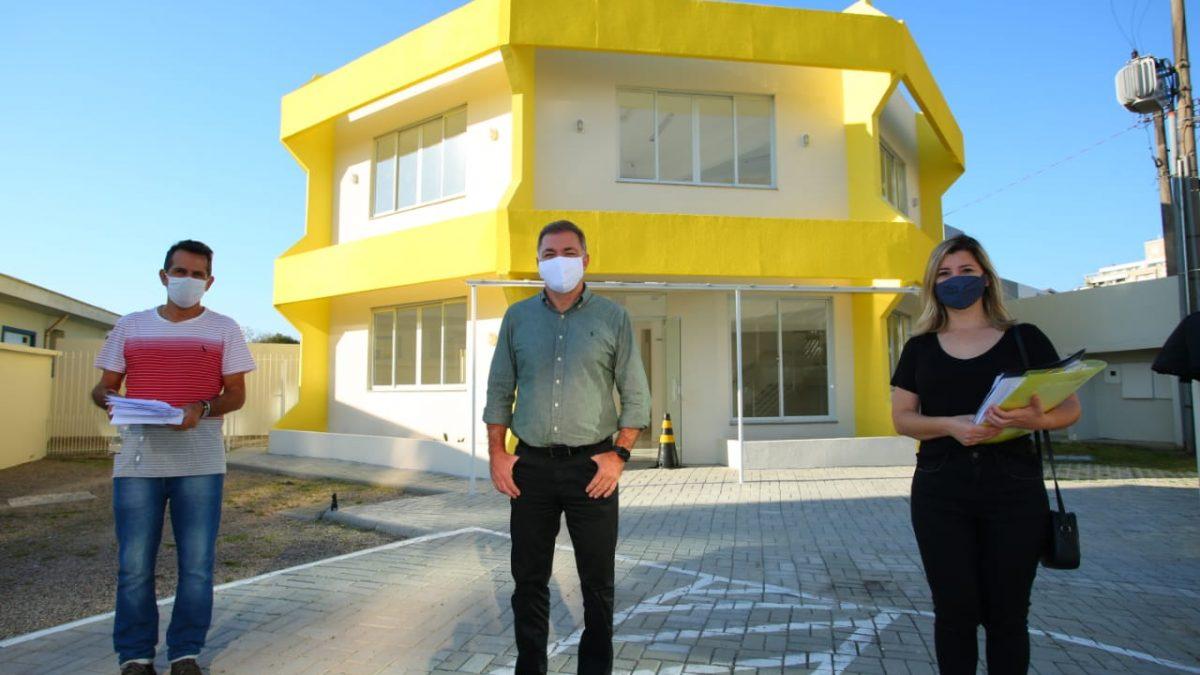Prefeito de Florianópolis visita o Centro Cultural do Continente em Florianópolis
