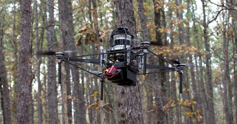 Drone que voa sozinho em florestas pode ser aliado contra desmatamento