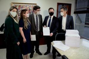 Assembleia recebe novo pedido de impeachment contra Moisés e Daniela