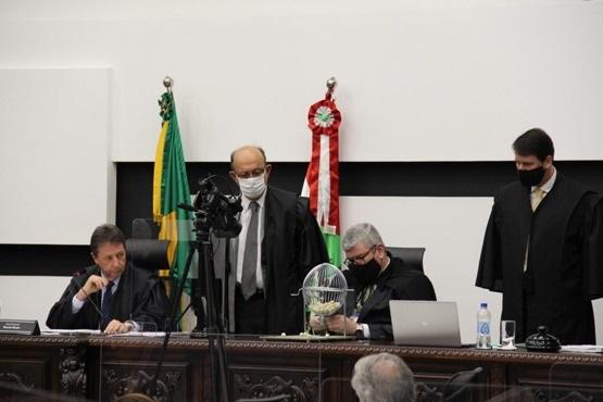 Impeachment: definidos em sorteio os desembargadores do novo tribunal de julgamento