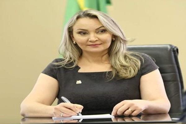 Daniela Reinehr assume o comando do estado internamente por 180 dias, a partir da próxima terça-feira 27. em Florianópolis