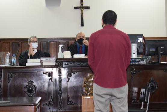 Na retomada dos júris populares na Serra, homem é condenado a 12 anos de reclusão