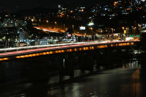 Tráfego na ponte Pedro Ivo Campos terá interdição parcial para recuperação do asfalto, até 15 de janeiro de 2021