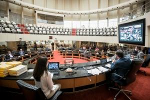 Suspensa sessão que votaria relatório sobre 2º pedido de impeachment