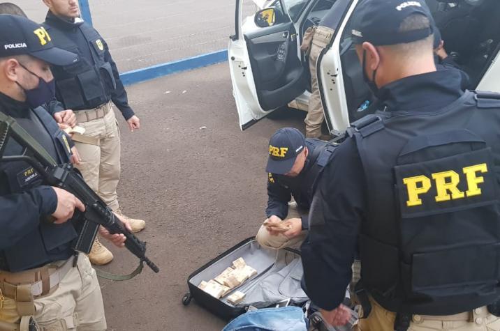 Cinco suspeitos envolvidos em assalto em banco de Criciúma são presos pela PRF