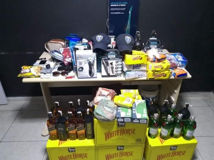 Guarda Municipal de Itajaí, conduz casal com mais de R$ 8 mil em produtos furtados