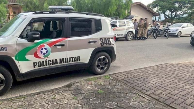 Ministério Público denuncia por feminicídio jovem que confessou ter matado a mãe em Joinville/SC