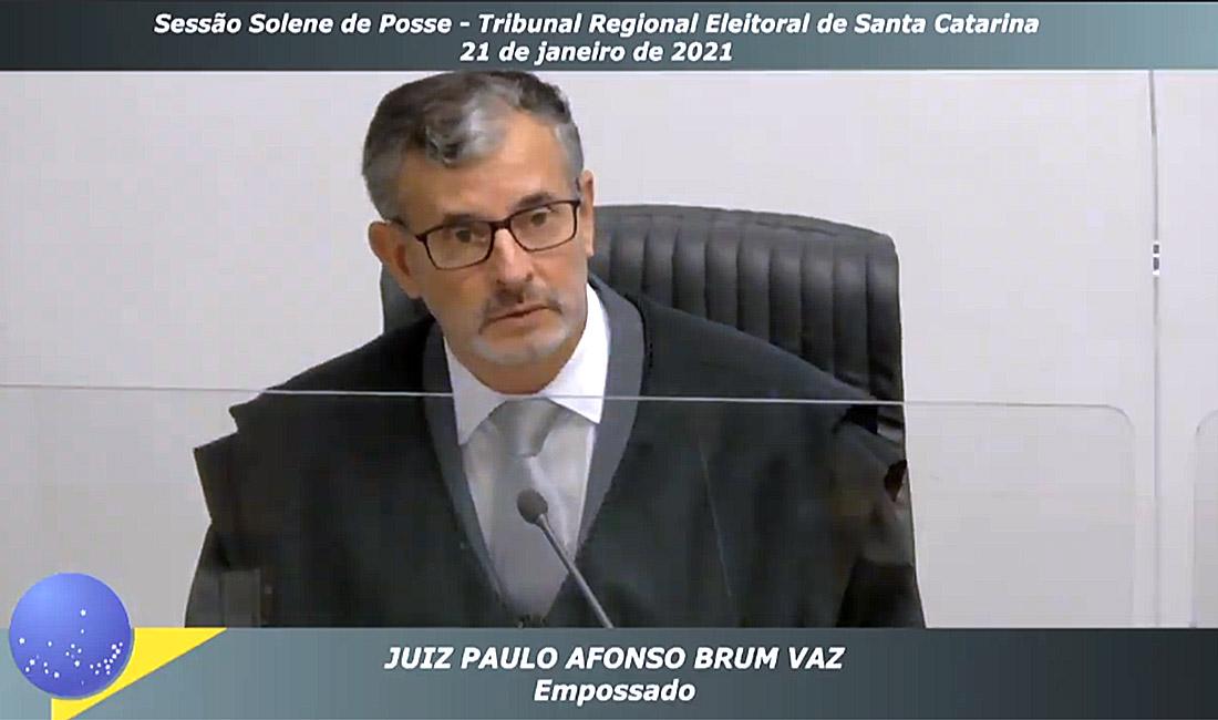 Desembargador do TRF4 Paulo Afonso Brum Vaz assume cargo de juiz do Pleno do TRE-SC
