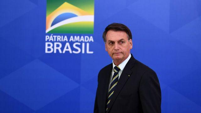 Bolsonaro está em Florianópolis para entrega 225 veículo para assistência social.