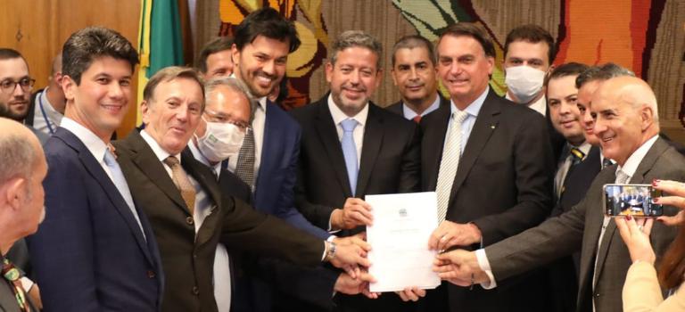 Governo Federal entrega PL da desestatização dos Correios ao Congresso