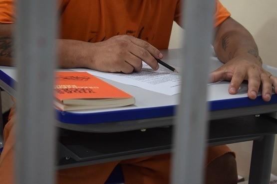 Leitura fomenta intelectualidade dos presos e reduz tempo da pena através da remição