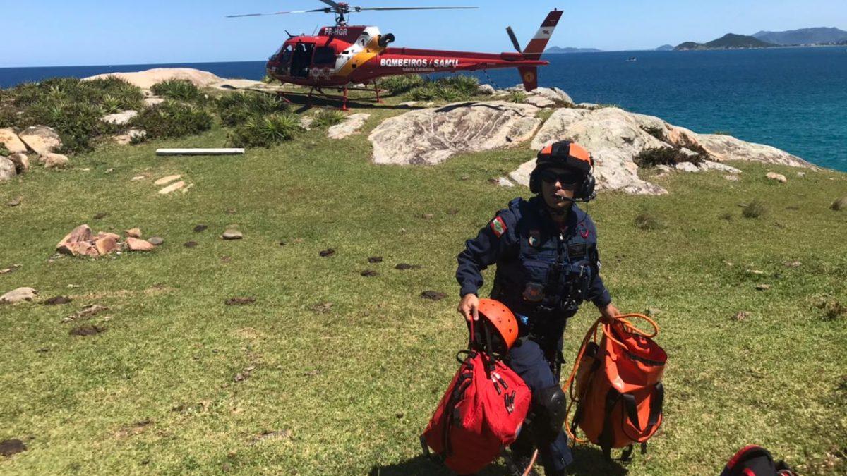 Arcanjo-01 resgata duas turistas perdidas na trilha em Florianópolis