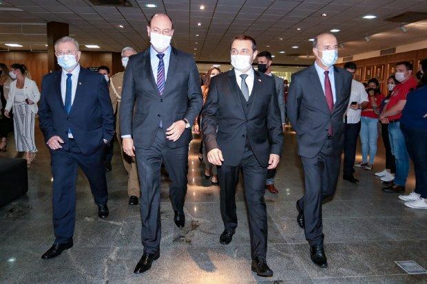 Carlos Moisés destaca desafios de 2020 e reforça parceria com o Legislativo