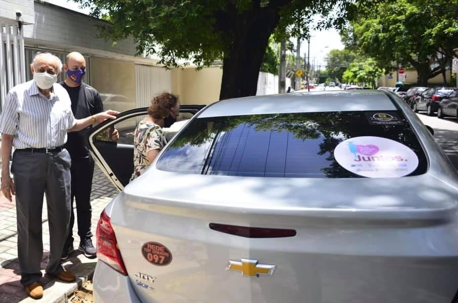 Em Ceará tem transporte gratuito para a vacinação de idoso que não possuem carro próprio