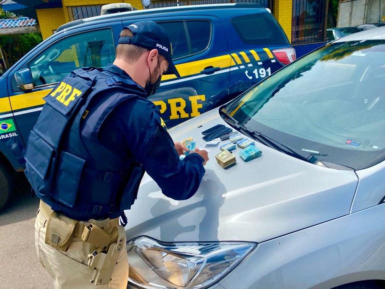 Após aplicarem golpe do bilhete premiado em Santa Catarina, estelionatários são presos pela PRF em Passo Fundo/RS