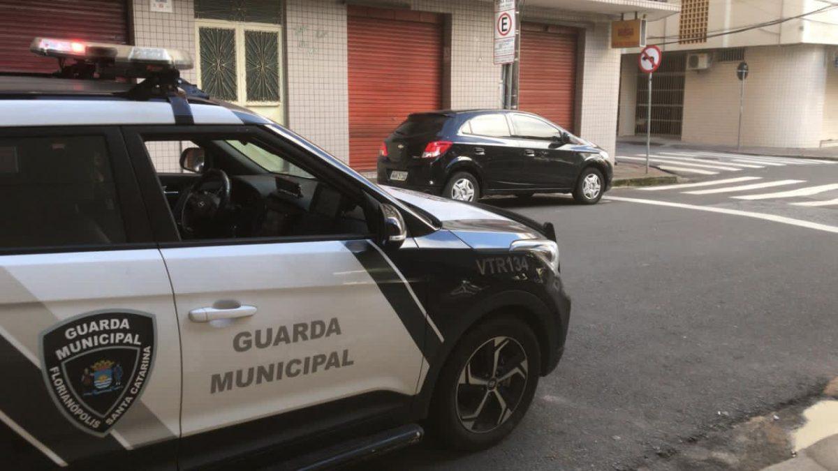 Força-tarefa conjunta em Florianópolis segue fiscalizando o cumprimento das medidas de controle da pandemia na cidade