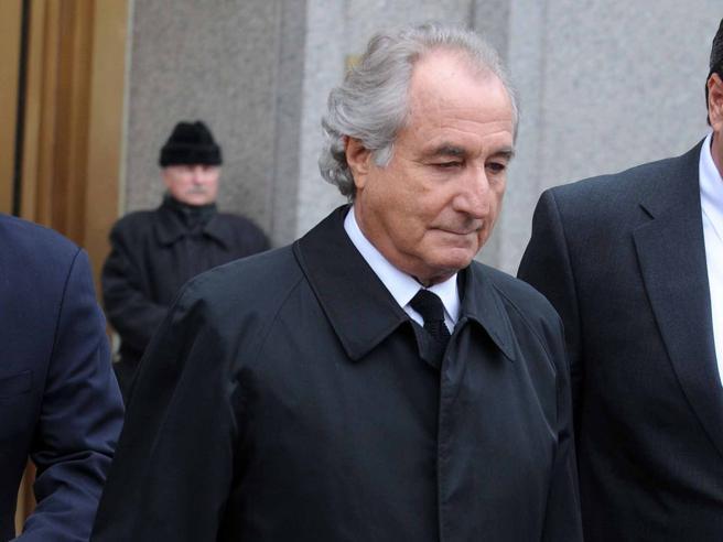 Madoff, ex-banqueiro condenado pela maior fraude da história, morreu na prisão