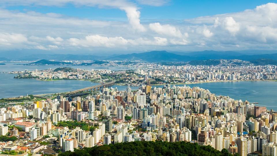 Florianópolis é a primeira cidade de Santa Catarina com auxílio emergencial municipal
