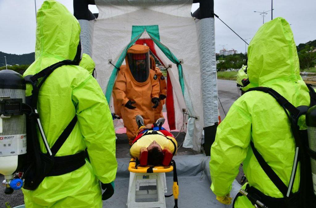 CBMSC simula atendimento a emergência com produtos perigosos em Florianópolis