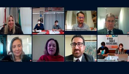 Professores e Município selam acordo para voltar às aulas em audiência provocada pelo MPSC em Florianópolis