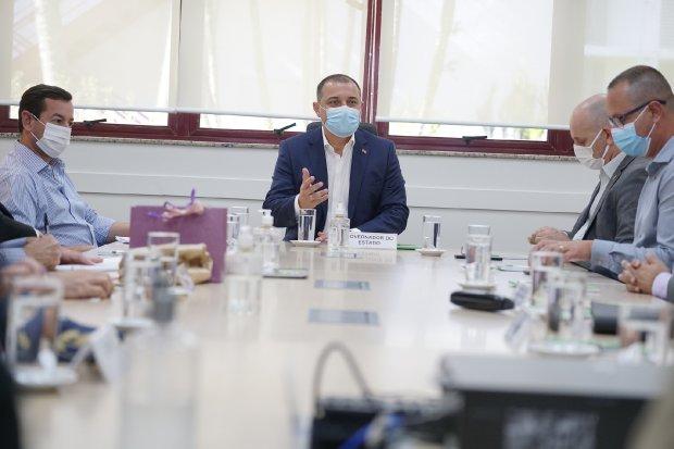 Carlos Moisés reúne secretários e determina ações para acelerar entregas do Governo do Estado aos catarinenses