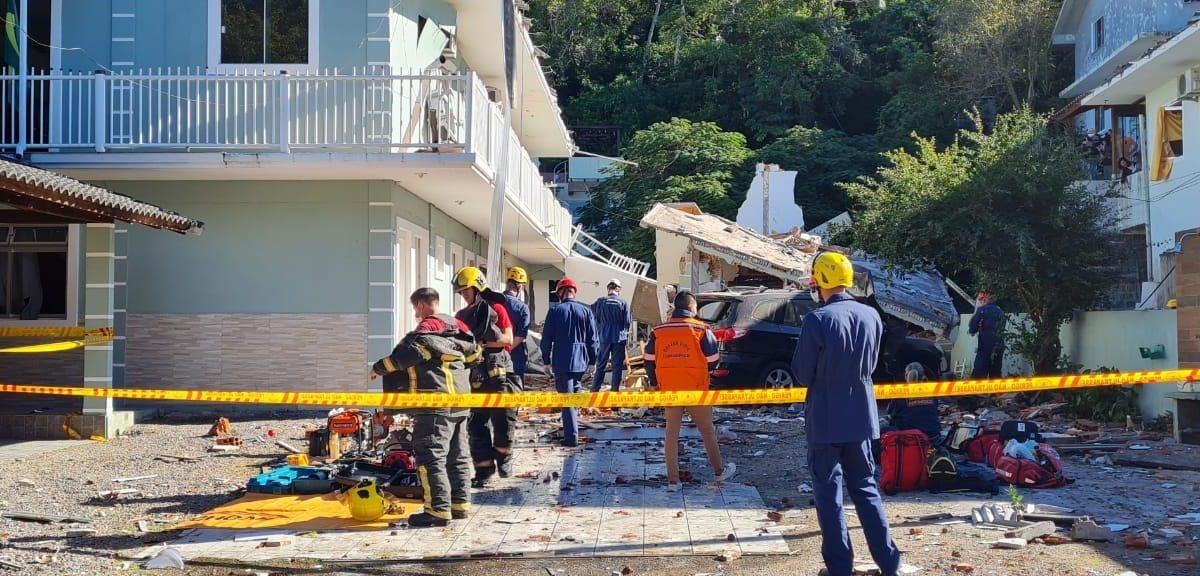Explosão de Central de Gás deixa uma possivel vítima nos escombros em Jurerê no norte de Florianópolis